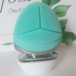 Facial Cleansing Brush and Massager